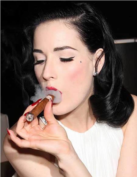 آخر سیگاری